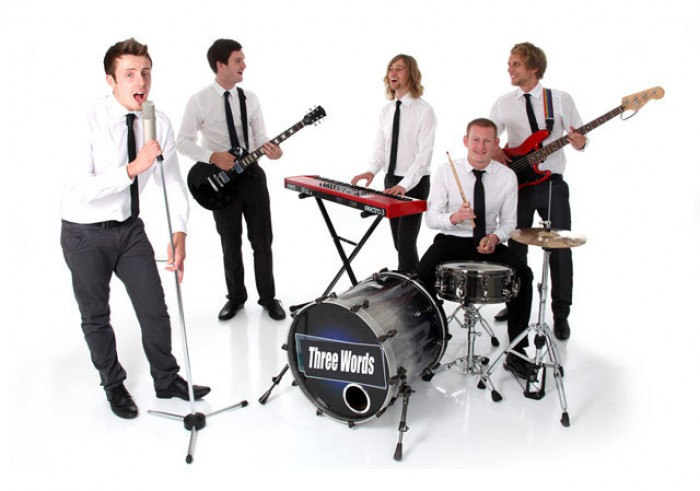 Inviting a band to your Wedding