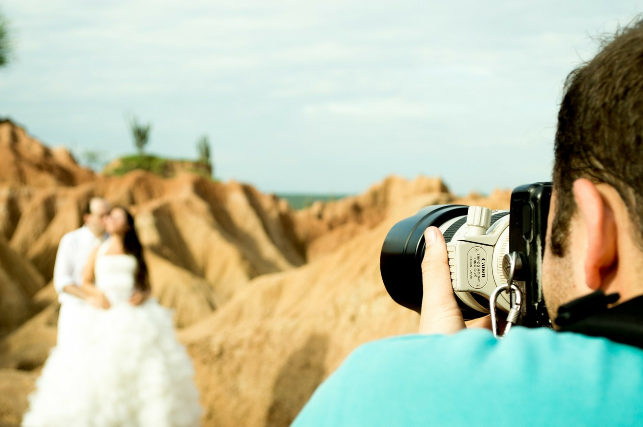 Keeping guests busy during the photo-shoot